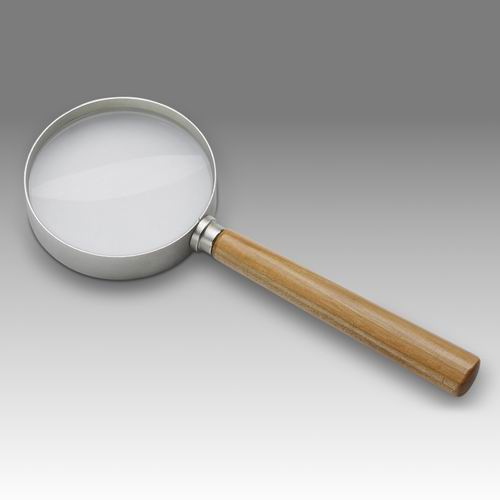 D 228 - TYPE 70 HIM - Magnifier with solid wooden handle