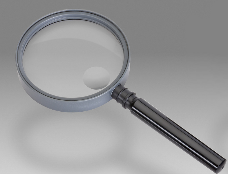 D 186D - LCH 8675A - Magnifier for reading with solid round handle